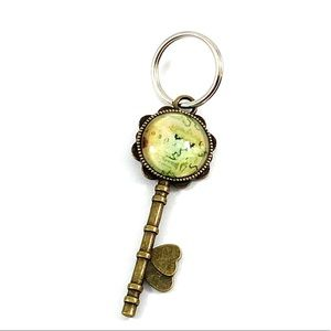 Accessories - Map glass vintage style key chain (w2)